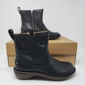 UGG Neevah Leather Boots Size 6